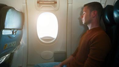 Photo of Comment bien dormir dans l'avion ?