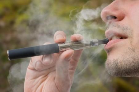Des dizaines de personnes, principalement des adolescents, ont été hospitalisés aux Etats-Unis pour des maladies au poumon survenues ces dernières semaines.