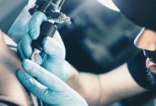 tatouages les aiguilles suspectées d'allergie