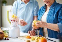 santé des seniors : des smoothies pour faire le plein de fruits
