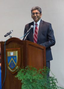 Le Prof. Dhanjay Jhurry.