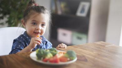 Photo of Pour inciter les enfants à manger des fruits et légumes, les deux parents doivent donner l'exemple