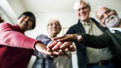 Photo of Les seniors s'épanouissent davantage au sein de petits cercles d'amis